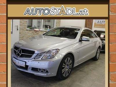 gebraucht Mercedes E200 E-KlasseCGI/TOP!!/Sitzhzg./Lede/Alu/MFL/Temp./ Sportwagen / Coupé,
