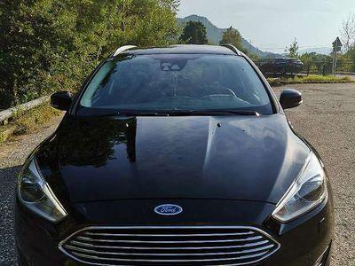 gebraucht Ford Focus Turnier 1.5TDCi Titanium Kombi / Family Van
