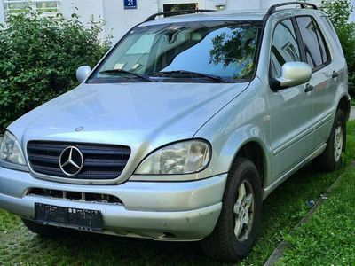 gebraucht Mercedes ML270 CDI Aut. NEUES PIKERL 1/22