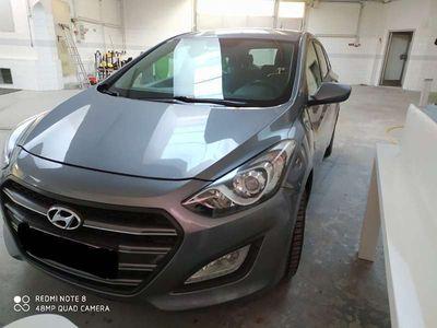 gebraucht Hyundai i30 1,6Crdi Kombi / Family Van