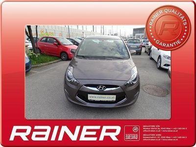 gebraucht Hyundai ix20 1,4 CRDi Europe Kombi