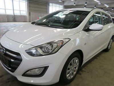 gebraucht Hyundai i30 1,6 CRDI Business Class *Garantie* Kombi / Family Van