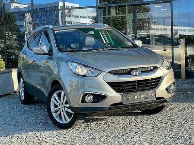 gebraucht Hyundai ix35 2,0 / SUV / SITZHEIZUNG / NAVI / 8 FACH BEREIFT/ TEMPOMAT / AHK