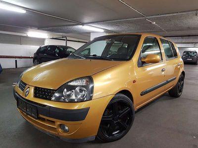 usata Renault Clio 1.4 16v Klein-/ Kompaktwagen,