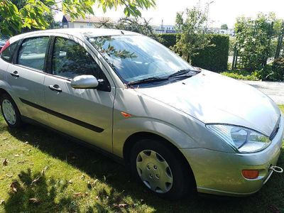 gebraucht Ford Focus Ambiente 5T 1,8TDDI Limousine