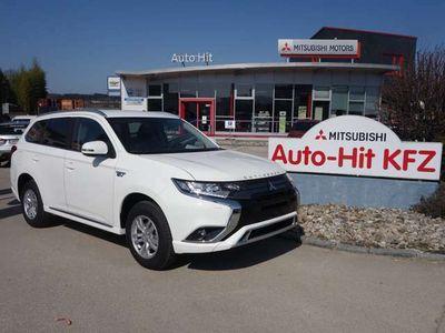 gebraucht Mitsubishi Outlander P-HEV 2,4 PHEV Intense *** 4WD***