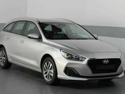 gebraucht Hyundai i30 Kombi STYLE KLIMAAUTOMATIK PDC TEMPOMAT A...