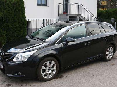 gebraucht Toyota Avensis Kombi Executive 2.2L Diesel Kombi / Family Van