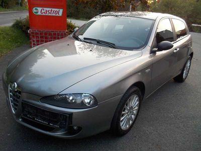 brugt Alfa Romeo 147 147 Alfa1,9 JTDM Impression Limousine,