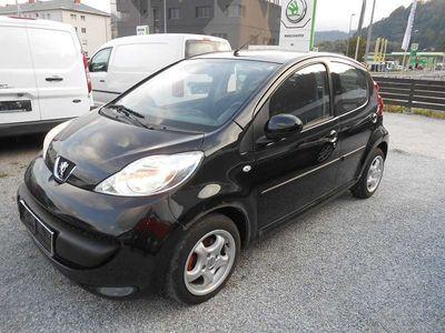 gebraucht Peugeot 107 Urban 1,0 12V Klein-/ Kompaktwagen