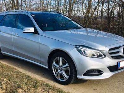 gebraucht Mercedes E250 E-KlasseT-Modell 4-Matic / A-Edition plus Kombi / Family Van