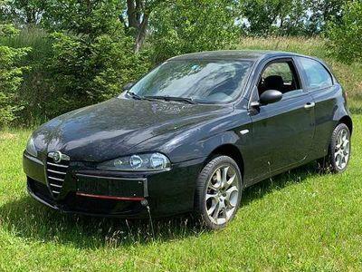 gebraucht Alfa Romeo 147 1.6 Sportwagen / Coupé
