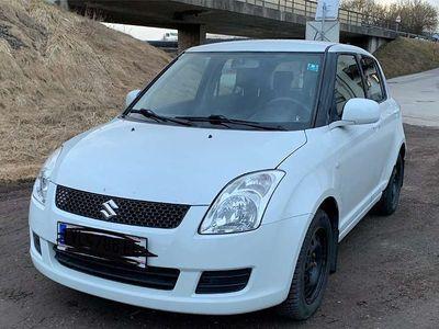 gebraucht Suzuki Swift Allrad_1,3GL_4WD Klein-/ Kompaktwagen