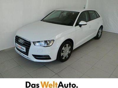 gebraucht Audi A3 Sportback 1.6 TDI Attraction Limousine,