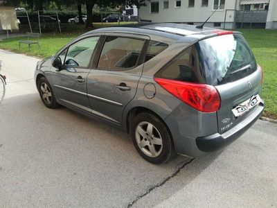 gebraucht Peugeot 207 Ö3-Edition HDI 95 FAP Klein-/ Kompaktwagen