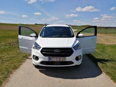 gebraucht Ford Kuga 2,0 TD STLine Titanium SUV / Geländewagen