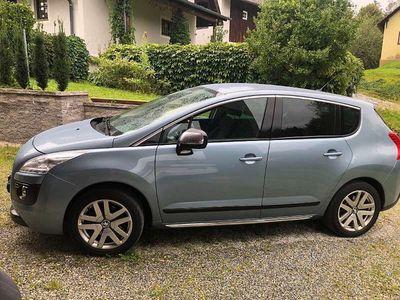 gebraucht Peugeot 3008 Hybrid 99g ASG6 Kombi / Family Van