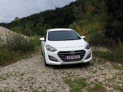 gebraucht Hyundai i30 CW 1,4 CVVT Start/Stopp Go Kombi / Family Van