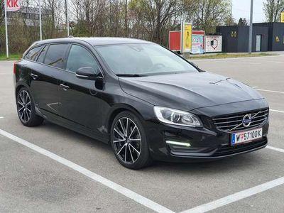 gebraucht Volvo V60 Linje Svart Xenon/Navi/Leder/19Zo Kombi / Family V