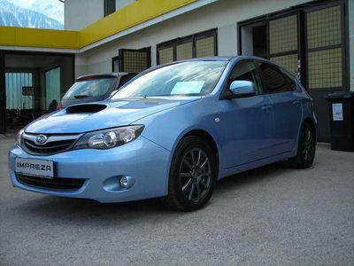 gebraucht Subaru Impreza Hatchback 2,0D-L Classic Klein-/ Kompaktwagen