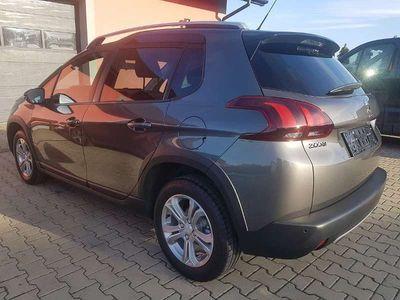 gebraucht Peugeot 2008 1.5 BlueHDi 100 Signature S&S Kombi / Family Van