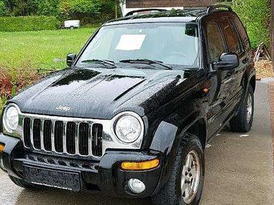 used Jeep Cherokee SUV / Geländewagen,