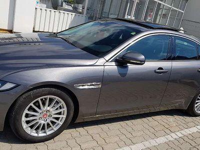 usata Jaguar XE Limousine,