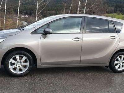 gebraucht Toyota Verso 1,6 D-4D Kombi / Family Van