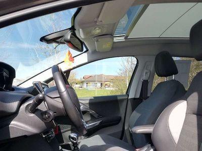 gebraucht Peugeot 2008 AII E-HDI 115 SUV / Geländewagen