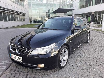 used BMW 530 5er-Reihe d Touring*SOFORT KREDIT* Kombi / Family Van,