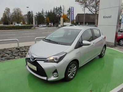 gebraucht Toyota Yaris 1,5 VVT-i Hybrid Active 1 A Klein-/ Kompaktwagen