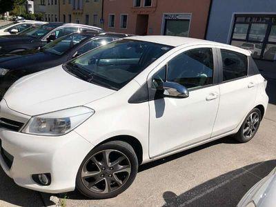 gebraucht Toyota Yaris 1,33 dVVT-i Active Klein-/ Kompaktwagen,