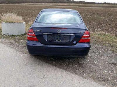 gebraucht Mercedes E220 E-Klasse mercedescdi Limousine