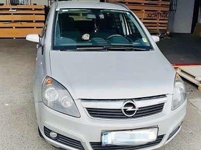 gebraucht Opel Zafira 1.6 Kombi / Family Van
