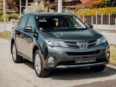 gebraucht Toyota RAV4 2,2 D-4D 150 D-CAT 4WD Executive Aut.