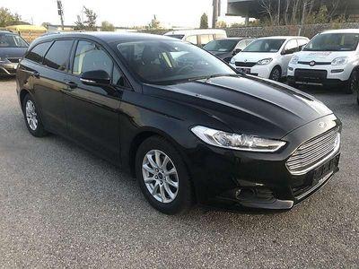gebraucht Ford Mondeo Traveller Business Plus 1,5 TDCi Navi-Si... Kombi / Family Van