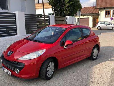 gebraucht Peugeot 207 1.4 Klein-/ Kompaktwagen