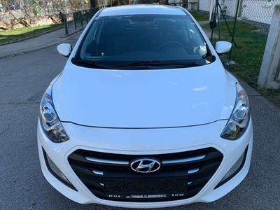 gebraucht Hyundai i30 CW 1,6 CRDi DCT Start/Stopp Comfort