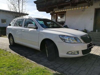 gebraucht Skoda Octavia Combi 1,2 TSI Ambition Kombi / Family Van,