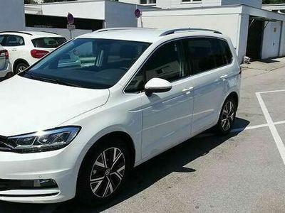 gebraucht VW Touran Highline Edition 1.5TSI/150PS 7-Sitze, LED, NAVI, Easy Open, 5J/100.000km