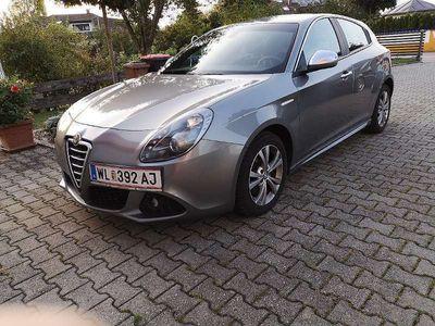 used Alfa Romeo Giulietta 1,4 MultiAir TCT Klein-/ Kompaktwagen,