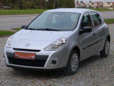 gebraucht Renault Clio Tonic 1,2 16V***NUR 30.000KM***Finanzierung***