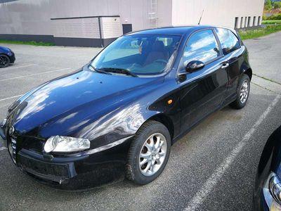 gebraucht Alfa Romeo 147 937AXD1A 04 Limousine