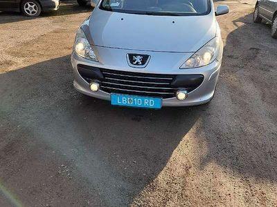 gebraucht Peugeot 307 SW OXYGO 1,6 HDi 110 (FAP) Kombi / Family Van