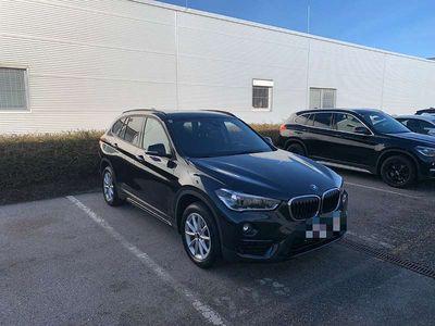 gebraucht BMW X1 X1SDrive 18i Sport Line Sommer/Winterreifen SUV / Geländewagen