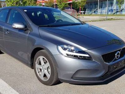 used Volvo V40 T2 Kinetic Geartronic Limousine,