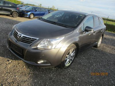 used Toyota Avensis 2,2