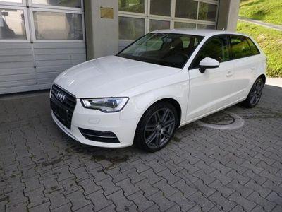 gebraucht Audi A3 Sportback 2.0 TDI qu. Attraction