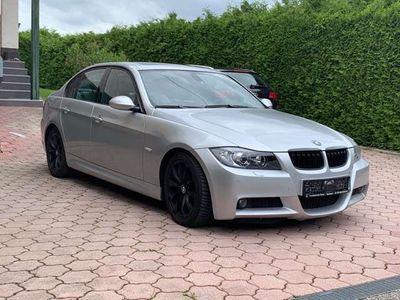 gebraucht BMW 330 3er-Reihe (E90) Aut. mit M - Paket