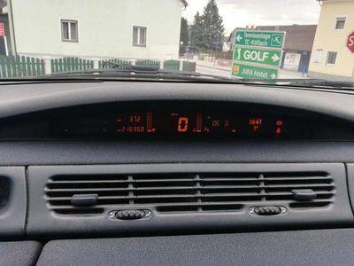 used Renault Espace 2.2 dt Kombi / Family Van,